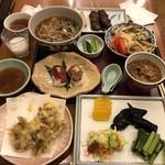 油や - 馬串、馬もつ煮込み、桜にぎり、きのこと長芋のしゃきしゃきサラダ、舞茸天ぷら、おしんこ盛り、ミニかけそば、十二六どぶろく