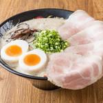 博多一幸舎 - 味玉チャーシューメン 1070円