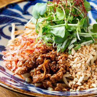 桜海老香る汁なし担々麺