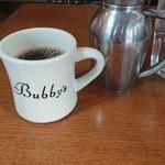 98319972 - コーヒーはマグカップで。たっぷり感がいいですね。牛乳もあり〼。いい感じのポット。
