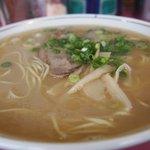 一九ラーメン - 500円★細硬麺(玉子風味)、きつくないしっかりしたスープ