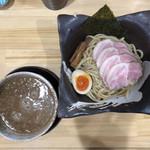 つけ麺 夢人 - 料理写真:つけ麺(並)200g 800円