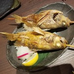 98320717 - 「本日の鮮魚の原始焼 1本 (520円)」