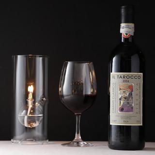 世界各国の厳選ワイン。ワイナリー直送のジュースもおすすめです