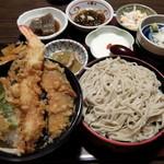 いっちょう - 料理写真:ミニ天丼 小そばセット