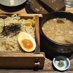八吉 - 料理写真:魚介つけ麺880円(税抜)♪