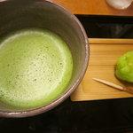 とらや椿山 - お抹茶とお菓子