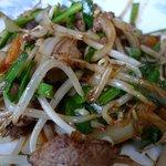 中華料理 かえる - こちらは普通のレバニラでメッチャ美味しい。