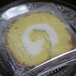 3つのたまご - ロールケーキ
