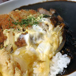 SIMBA - カツ卵とじカレー890円