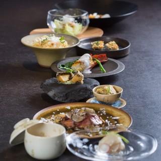 地元、南淡路を中心に日本中から集められた食材たち
