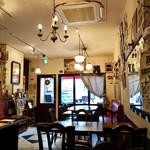 カフェ ド セット - ちょっと頽廃的な雰囲気があり素敵