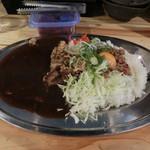 炊き餃子と鶏すき大衆酒場 仕事鶏A - 全部のせカレー880円
