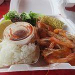 Romy's Kahuku Prawns & Shrimp - ハーフポンドスチームシュリンプのコンボ20.75$。