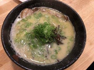 六盛 松原店 - ラーメン700円