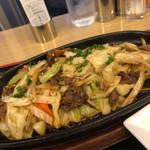 カンフォーラ - 肉野菜炒め