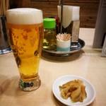 東京五十番 - セット ビールとザーサイ