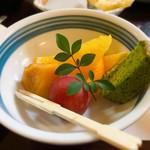 魚庵 千畳敷 - デザート ぶどう、柿、オレンジ、抹茶ケーキ