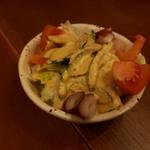 おかん - おかんが作った特製サラダ