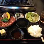焼肉 十兵衛 - ワカメのゴマドレと豆腐
