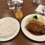 ヴォーカル - ポークカツレツ 880円