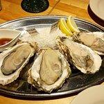oyster&wine kitchen K - 旬の真牡蠣(北海道と岩手県産)