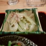 おばんざい屋 ふぅ - おばんざいセットのセロリと豚肉の塩炒め