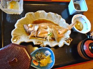 峰 - 煮魚定食(1365円)