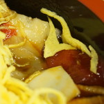 Sushizen - 中の具:タコ・ヅケ鮪等