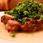 テンアンドハーフカフェ - とりもも肉のロースト
