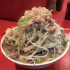 ラーメン二郎 - 料理写真:ブタ入りラーメン(ニンニクヤサイアブラカラメ)♪