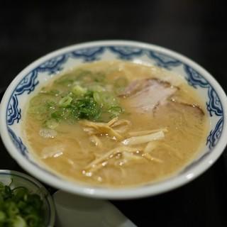 博多麺房 赤のれん - 料理写真: