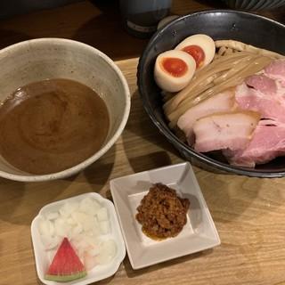 いかれたヌードル フィッシュトンズ - 料理写真:特製つけ麺〜(*´∀`*)/¥1050円.。.:*☆