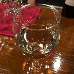 横浜スタイル カクテル&ワインBAR グラン・カーヴ - 飲み放題は生ビール、赤ワイン、その他にも白ワイン、梅酒、スパークリングワインはカヴァ ラ ロスカ ブリュット、ジャックダニエルのハイボール、ラム・カンパリ・グレープフルーツJのカクテルと色々☆彡