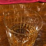 横浜スタイル カクテル&ワインBAR グラン・カーヴ - 飲み放題は白ワイン、梅酒、スパークリングワインはカヴァ ラ ロスカ ブリュット、ジャックダニエルのハイボール、ラム・カンパリ・グレープフルーツJのカクテルと色々☆彡 特に赤ワイン美味しかったなぁ♪
