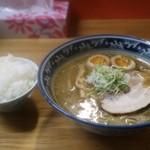 千寿 - 味そ(780円)とライス(170円)