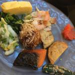 フレンチレストラン フルーヴ - 焼き鮭・鯖・漬物・明太子・出汁焼き卵・焼き鯖・たこ焼きなど