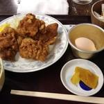 98405107 - そぼろご飯と唐揚げ4個定食 830円(税込)