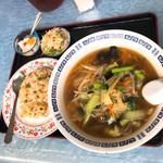 漢謝園 - 野菜ラーメン定食