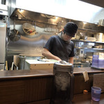 麺処 と市 - 厨房♪