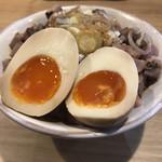 98406773 - ランチメニューの炙りレア焼豚丼セット(200円)