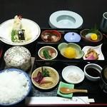 Hachikou - 昼膳