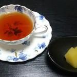 八幸 - 紅茶とデザート(林檎コンポート) ランチ