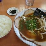 98410879 - チャーシュー麺+ごはん