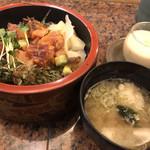 松葉寿し - 茶碗蒸し、味噌汁もセット
