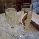 PIZZERIA CAPOLI - スパークリングワイングラス 690円+Tax