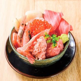 産地直送!自慢の新鮮な刺身・海鮮料理を是非一度ご堪能下さい!