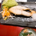 小魚 阿も珍 - カレイの塩焼き