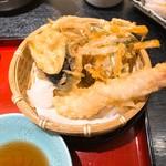 小魚 阿も珍 - 海老、茄子、かき揚げ天ぷら。