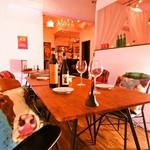 STEAK HOUSE & BBQ BALCONIWA - 代々木.北参道でお仕事帰りに一杯という時には、ぜひ当店を‼︎カウンター席もご用意しています。